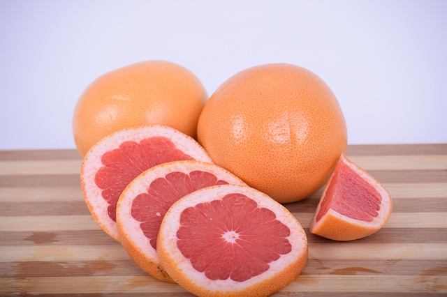 Grapefruit is ok for guinea pigs in moderation