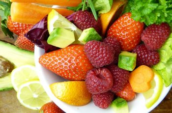 Which fruit can guinea pigs eat?